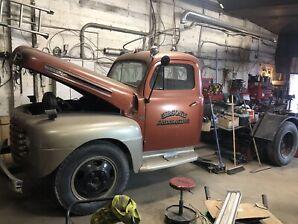 1948 Ford F135 Dump Truck