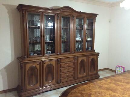 Beautiful wall unit/ buffet and hutch - great condition Edmondson Park Liverpool Area Preview