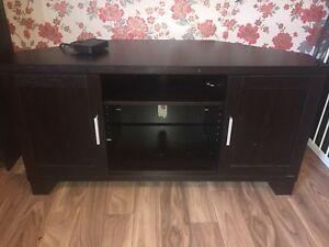 BEAUTIFUL NEW TV STAND