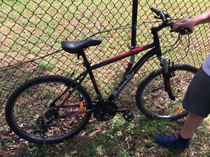 Malvern Star mountain bike m Medium size excellent cond broken chain