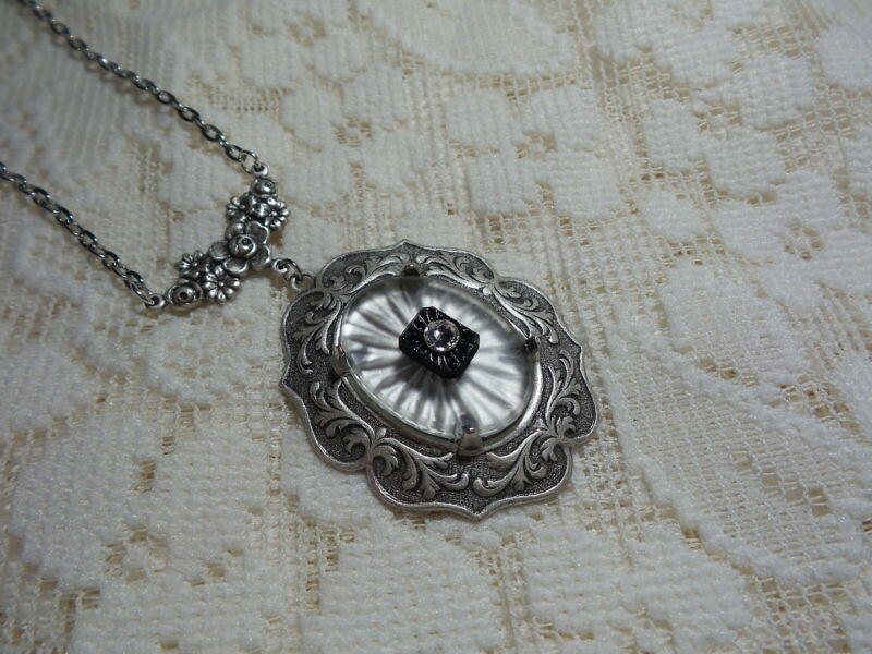 """HANDMADE VINTAGE SUNRAY CRYSTAL FROSTED CAMPHOR GLASS  NECKLACE 18"""""""