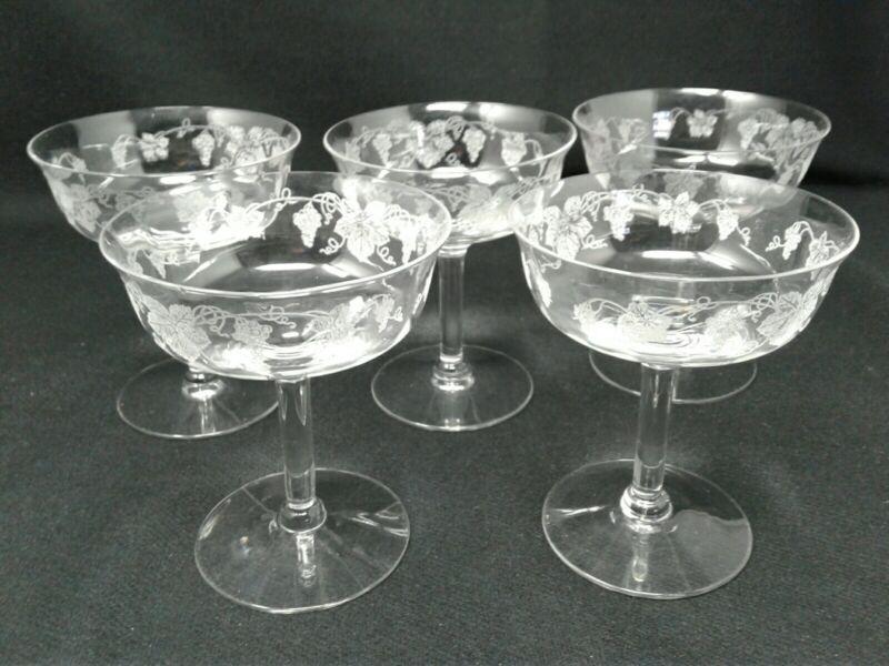 Cambridge Vintage Champagne Glasses Grape Vineyard Pattern (5)