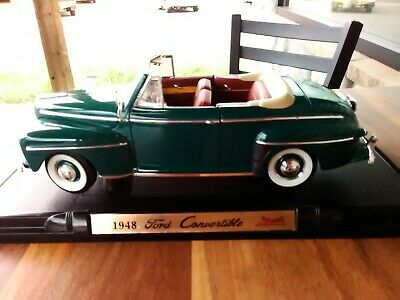 Road Legends Die-cast 1:18 Preowned 1948 Ford Convertible