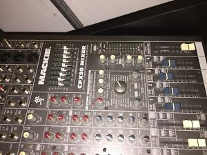 Mackie pro mixer 20 channels
