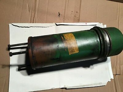John Deere Late B Air Cleaner With Oil Cup