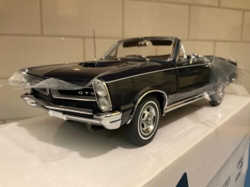 Danbury Mint  -  1965 Pontiac GTO Convertible