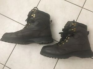 Men's Cougar Winter Boots sz 10