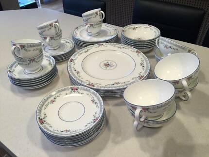 48 PIECE WEDGWOOD FINE BONE CHINA ROSEDALE (R4665) VALUED $6500 Mordialloc Kingston Area Preview