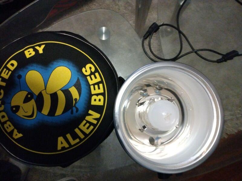 Alien Bees B400 160ws Pro Photo Flash good condition