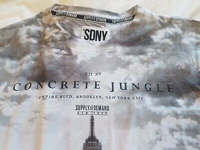 mens Grey supply & demand New York T Shirt L cotton VGC  skyscraper T Shirt