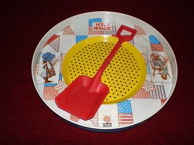 Vintage 1974 Holly Hobbie Tin Sand Sifter Chein Playthings / American Greetings