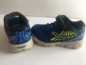Saucony running shoes size 7 toddler