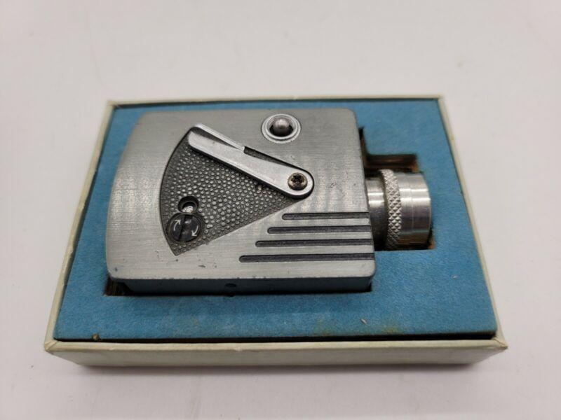 Vintage Universal minute man 16 mini movie camera