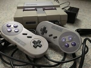 SNES Super Nintendo 2 controllers & cords