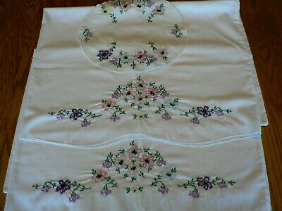 VINTAGE EMBROIDERED PILLOW CASES WITH MATCHING DOILY, GREAT CONDITION