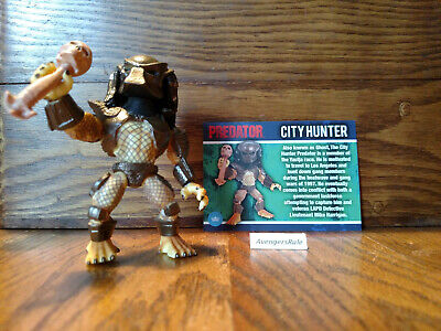 Predator Series 1 The Loyal Subjects Vinyls City Hunter Skull Staff 2/12 No Box - Skull Staff