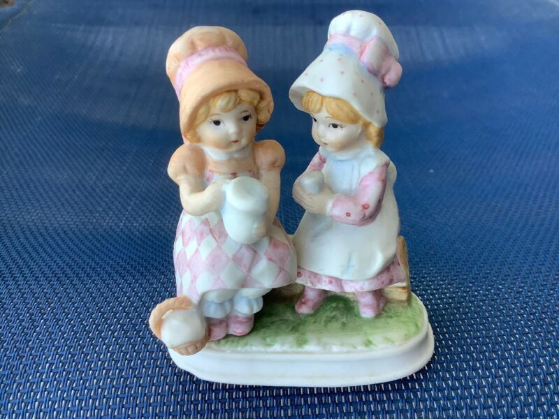 Lefton Figurine Vintage 80s Bonnet Girls Friends Sister Tea Time Porcelain Decal