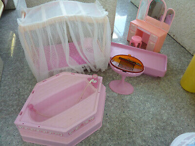 Vintage 1987 Barbie Dream House Sweet Roses Furniture & Accessories Lot