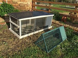 Rabbit & Guinea Pig Hutch, Cage, Enclosure Mandurang Bendigo City Preview