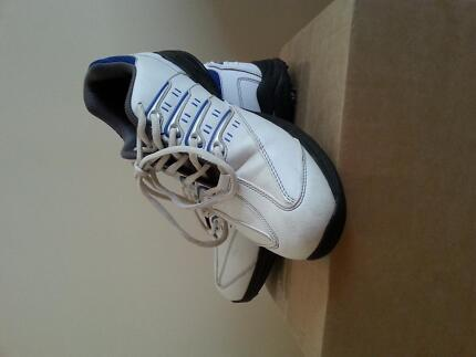 Boy Girl Junior Shoes Niblick Golf  Size 7,5 White/Blue Upper Coomera Gold Coast North Preview