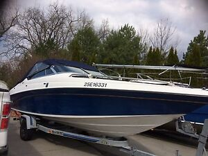 23' Bowrider family tubing package with trailer EXCELLENT COND