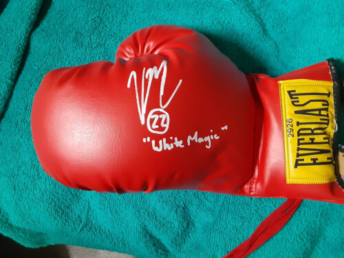 Great boxing prospect Vito Mielnicki Jr. autographed RED  Everlast Boxing glove