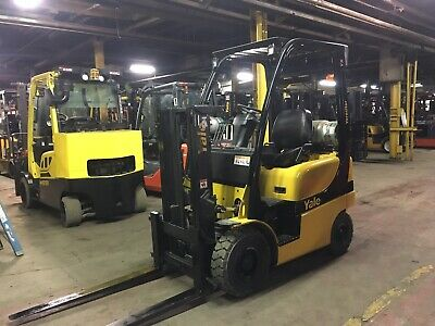 2014 Yale 3000 Lb Solid Pneumatic Forklift With Truckers Mast