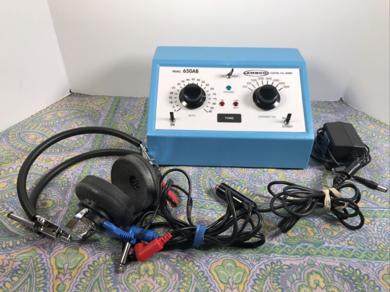 Ambco 650AB Audiometer Complete w TDH-39P Headset, Patient Response Switch