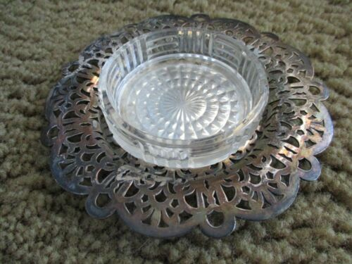 VINTAGE ROUND GLASS CRYSTAL SILVER PLATED RIM ASHTRAY