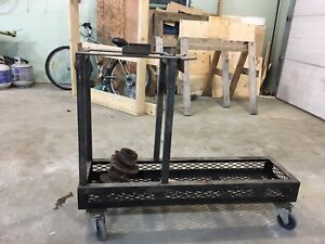 Welding stand with tires