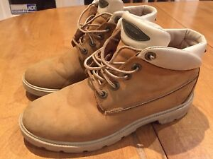 Men's size 7 Timberland winter boots