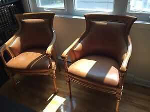 2 tres belles chaises en cuir/ 2 beautiful leather armchairs