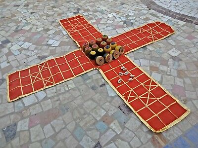 VINTAGE LOOK ANCIENT INDIA CHESS TYPE CHAUPAR /CHAUSAR /LUDO CLOTH BOARD GAME G1