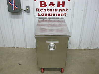 Wilder 217swp17nf Stainless Steel Mobile Bakery Flour Ingredient Bin