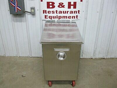 Wilder 217swp17nf Stainless Steel Mobile Bakery Flour Ingredient Bin
