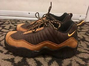 Nike ACG hiking shoes, women's size 9, New condition