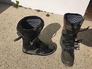 Quadrant  Motorbike boots - Like New!!! Tapping Wanneroo Area Preview