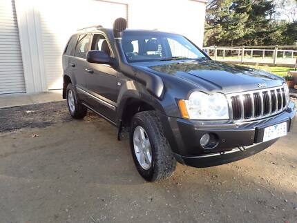 2006 Jeep Grand Cherokee Wagon 3.0L - Deisel. Awesome comfort/tow