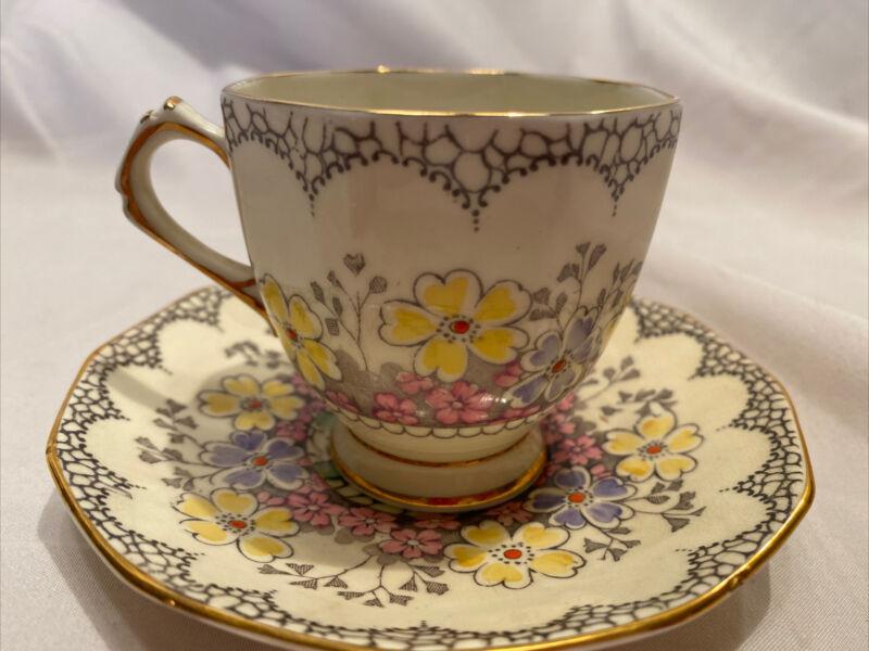 Vintage Tuscan Plant Floral Bone China Teacup Saucer Gold England Tea Cup Yellow