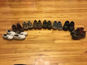 Souliers sandales pantoufles bottes de pluie et bottes d'hiver