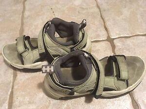 Sandales de marche Teva taille 6