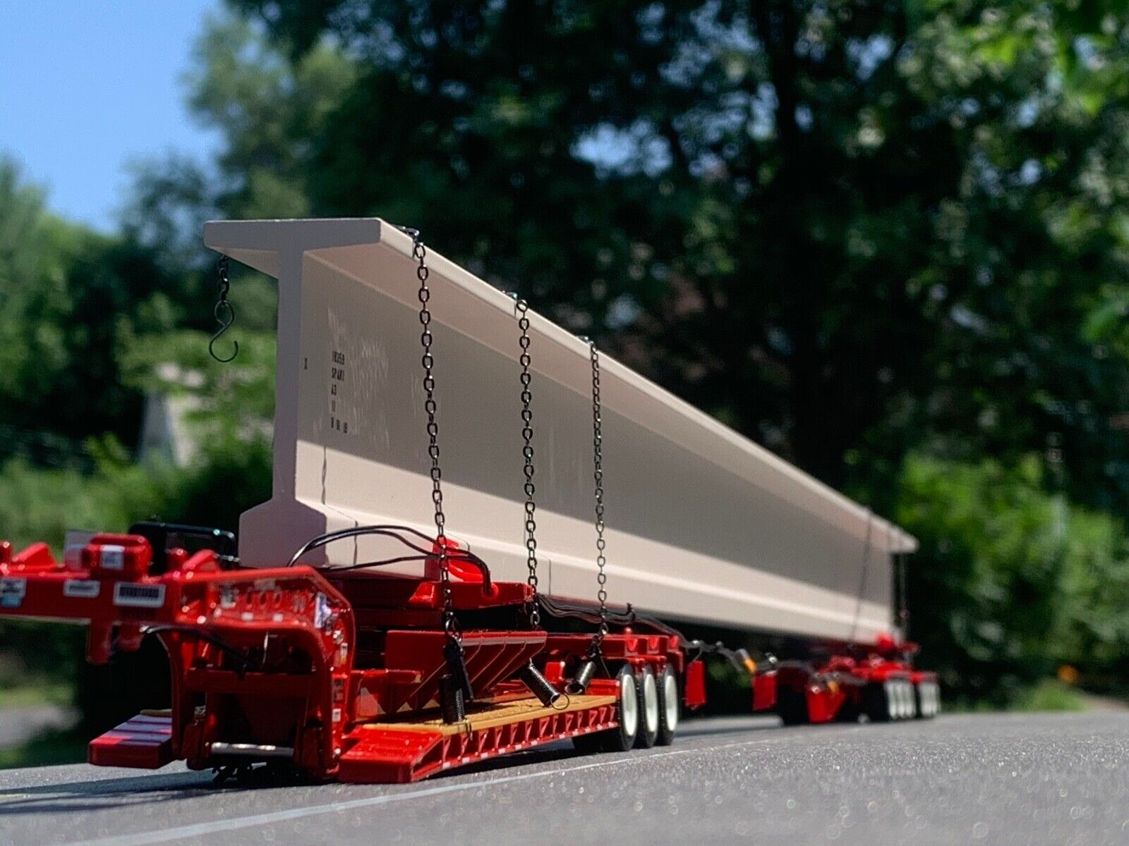 1/64 DCP RED FONTAINE LOWBOY, BUNK & ELK RIVER AXLE HYDRA STEER TRAILER & BEAM
