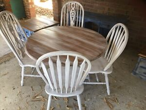 !!MUST GO!!! Round dining table !! Delivery available!!!
