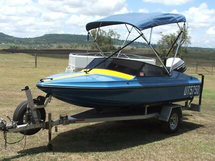Swift Craft Stiletto runabout