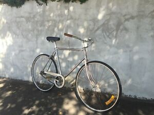 Vintage bicycle - hipster inner city commuter bike - COoL