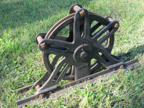 ANTIQUE ROPE PULLEY INDUSTRIAL LARGE HEAVY VINTAGE