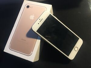iPhone 7 128GB | Glass Protector + 4 Otterboxes