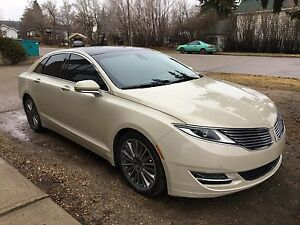 AWD Preferred 2014 Lincoln MKZ LOADED 37,000km!