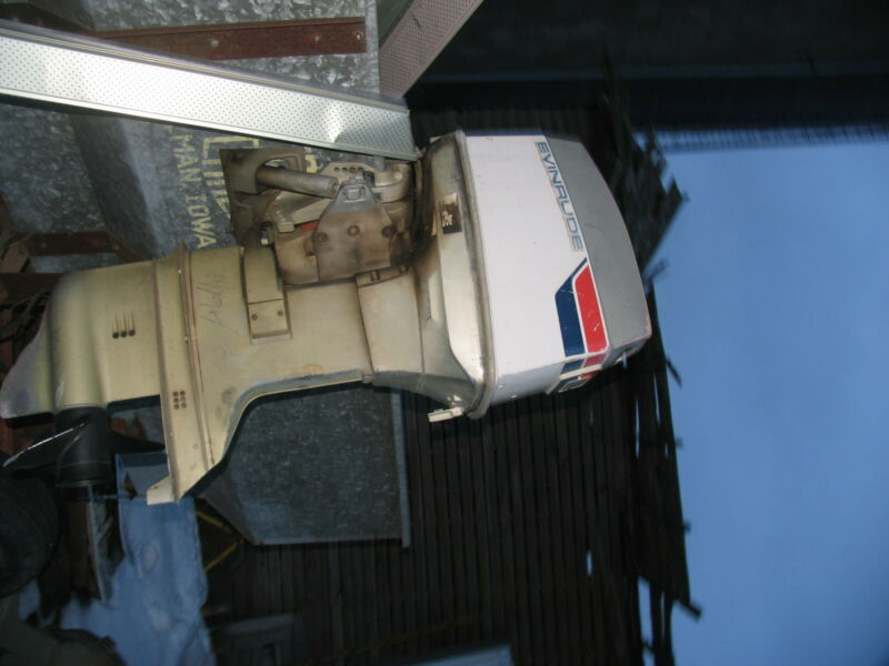 70 Evinrude Outboard Motor