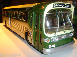 Corgi-54310-CHICAGO-CTA-GM-GMC-5305-Fishbowl-Transit-Bus-2001-RARE
